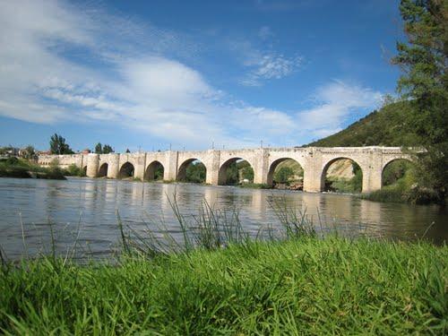 Puente mediaval sobre el Pisuerga, en Cabezón de Pisuerga