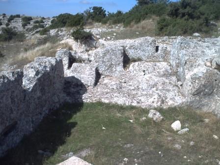 Vivienda excavada en la roca
