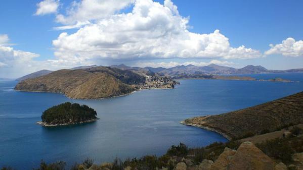 Vista de algunas islas del Titicaca