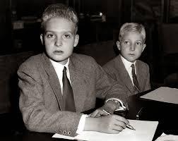 Don Juan Carlos con su hermano Alfonso