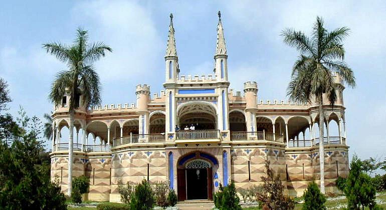 Castillo de Unanue. Majestuosa Joya Arquitectónica de la Provincia de Cañete. Construido por Don José Unanue, en memoria de su padre, el ilustre Prócer de la Independencia Hipólito Unanue .