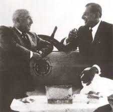 Don Juan de Borbón y el general Francisco Franco en el yate Azor en 1948