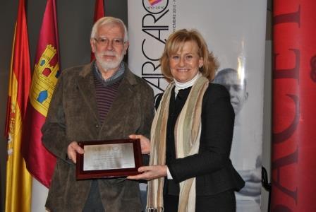 En la entrega del premio Barcarola junto a la alcaldesa de Albacete Carmen Bayod, enero 2013