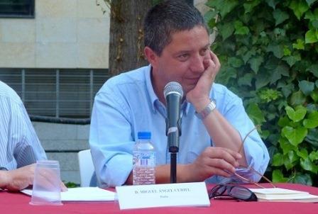 Miguel-Ángel-Curiel-autor-de-Hacer-Hielo