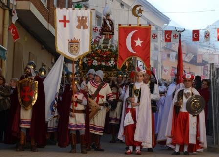 Valverde con el Santo Niño durante los festejos de los Moros y Cristianos