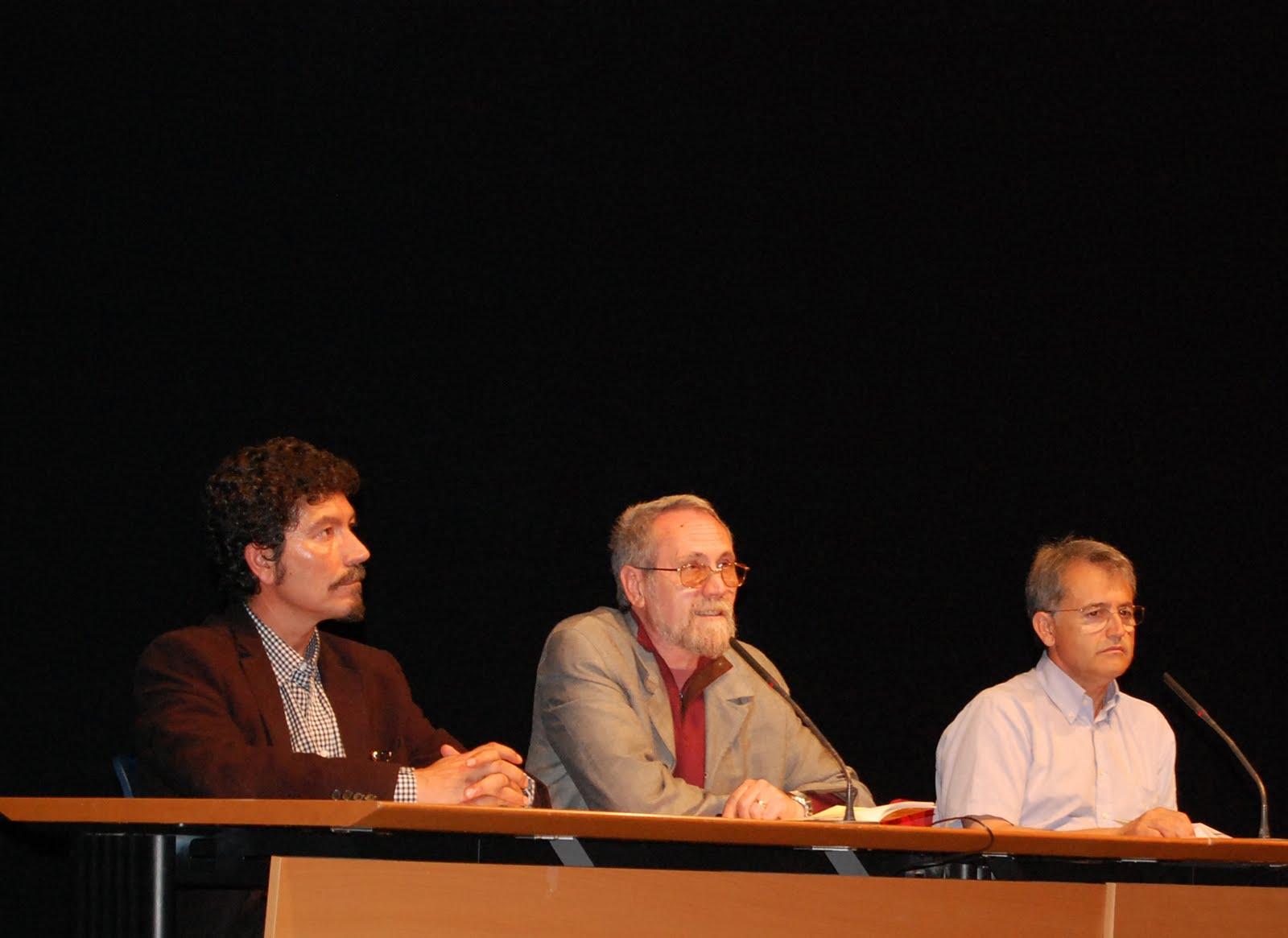 Presentación espuma_  Pedro A. Glez. Moreno. Manuel López Azorín y José Alberto Clemente.
