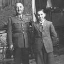 El General Franco con Arturito pomar